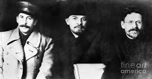 A Luta Entre Stalin e Trotsky